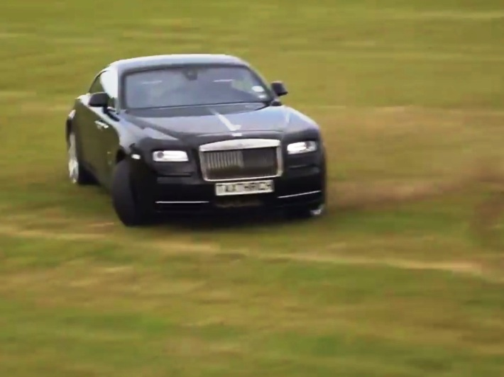 Video : Tax the Rich με Rolls Wraith